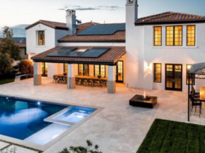 19-Year-Old Kylie Jenner Sells Her $2.6Million Mansion (Photo)